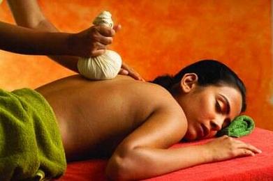 I Benefici del Massaggio Ayurvedico