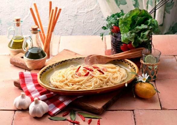 pasta aglio olio peperoncino